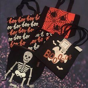 Handbags - Lot of 5 spooky Halloween totes